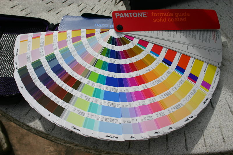 Nuancier rubitone rubik pantone mademoiselle d co for Peinture colours nuancier